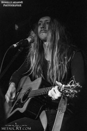 Dave Dalone - H.e.a.t. acoustic