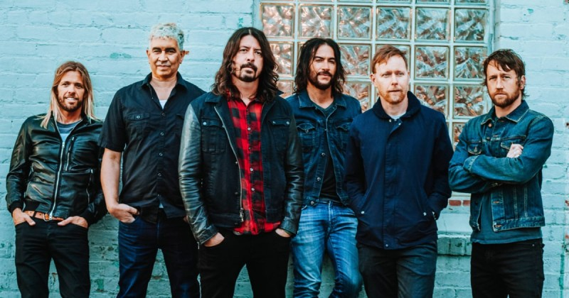 Foo-Fighters-COncrete-and-gold