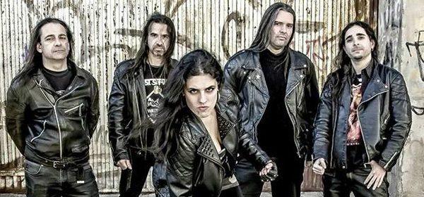 """Entrevista a FAST SHARKS: """"Un músico del 'mundillo' me dijo que una mujer nunca podía cantar metal de verdad"""" (Nuria Ollero)"""
